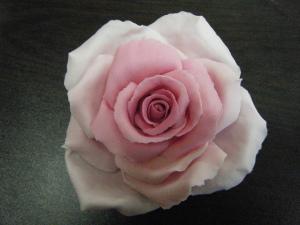 ורד מבצק סוכר