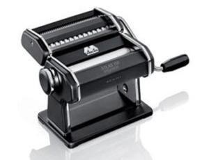 מכונת פסטה אטלס בצבע שחור